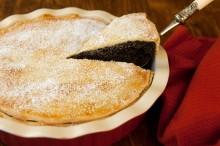 Tento majstrovský, krásne vyzerajúci koláč bude skutočnou pýchou na Vašom stole....